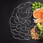 Los alimentos que ayudan a concentrarse mejor en el trabajo y los que más nos dispersan
